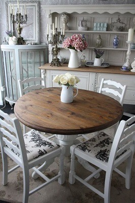 blog ga shabby chic voor je ronde tafel zacht en romantisch. Black Bedroom Furniture Sets. Home Design Ideas