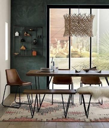 Industriële tafel met stoelen