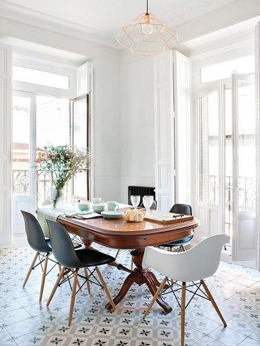Blog - De poten maken de ronde tafel: vijf tafels, vijf stijltips